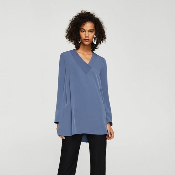 V-neck blouse - titre